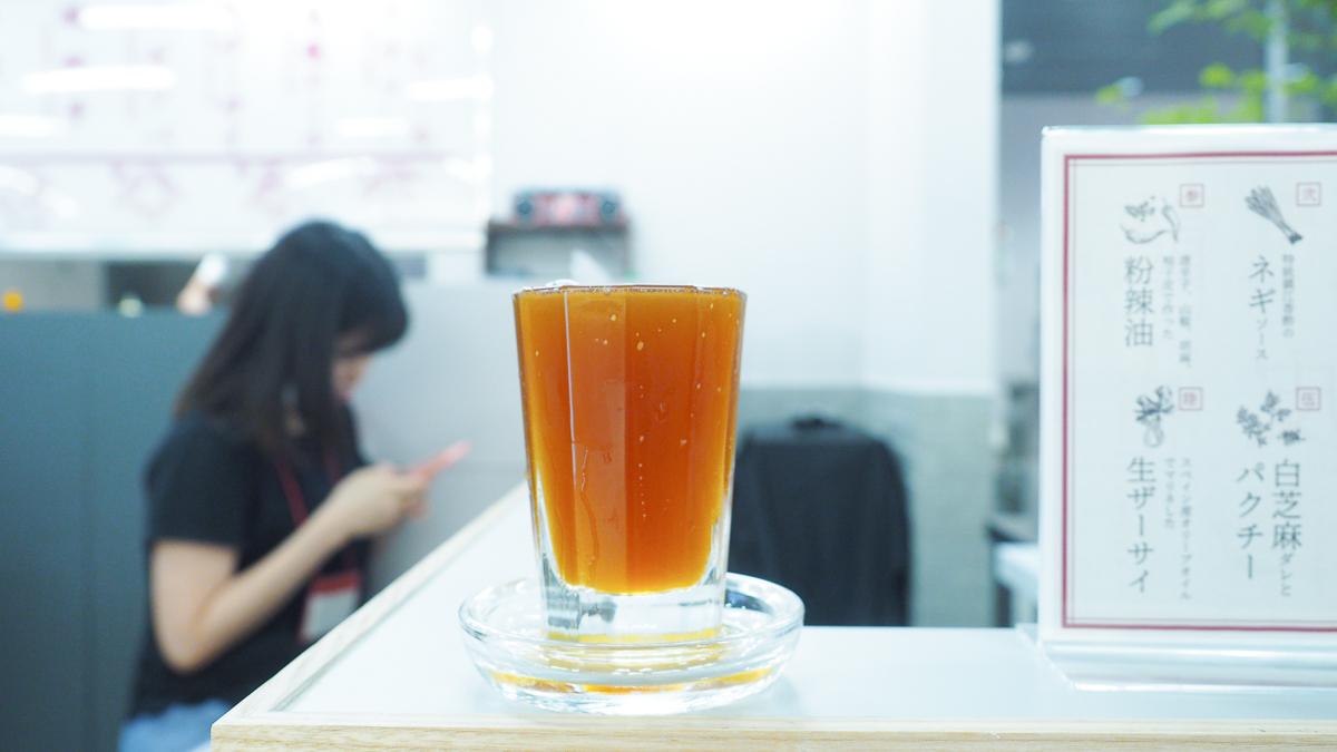 グランスタ 東京駅 グルメ ギョーザスタンドウーロン 飲み屋 餃子 中華 おすすめ 東京ギョーザスタンドウーロン