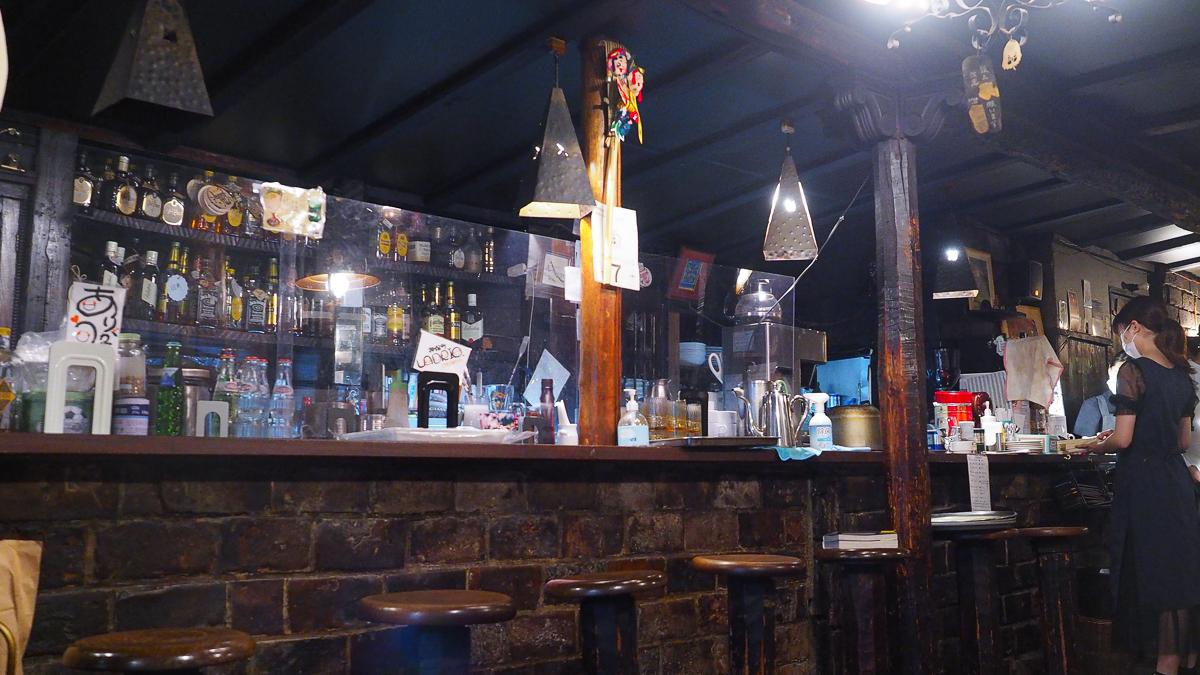 神保町 喫茶店 ラドリオ ウィンナーコーヒー 珈琲 老舗 カフェ レトロ