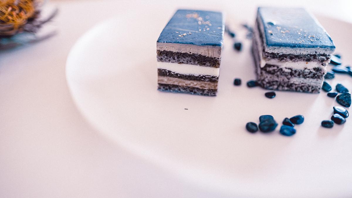 ウサギノネドコ 通販 お取り寄せ オンラインショップ ラピスラズリのオペラ ケーキ スイーツ プレゼント ギフト 鉱物スイーツ バタフライピー 京都 カフェ