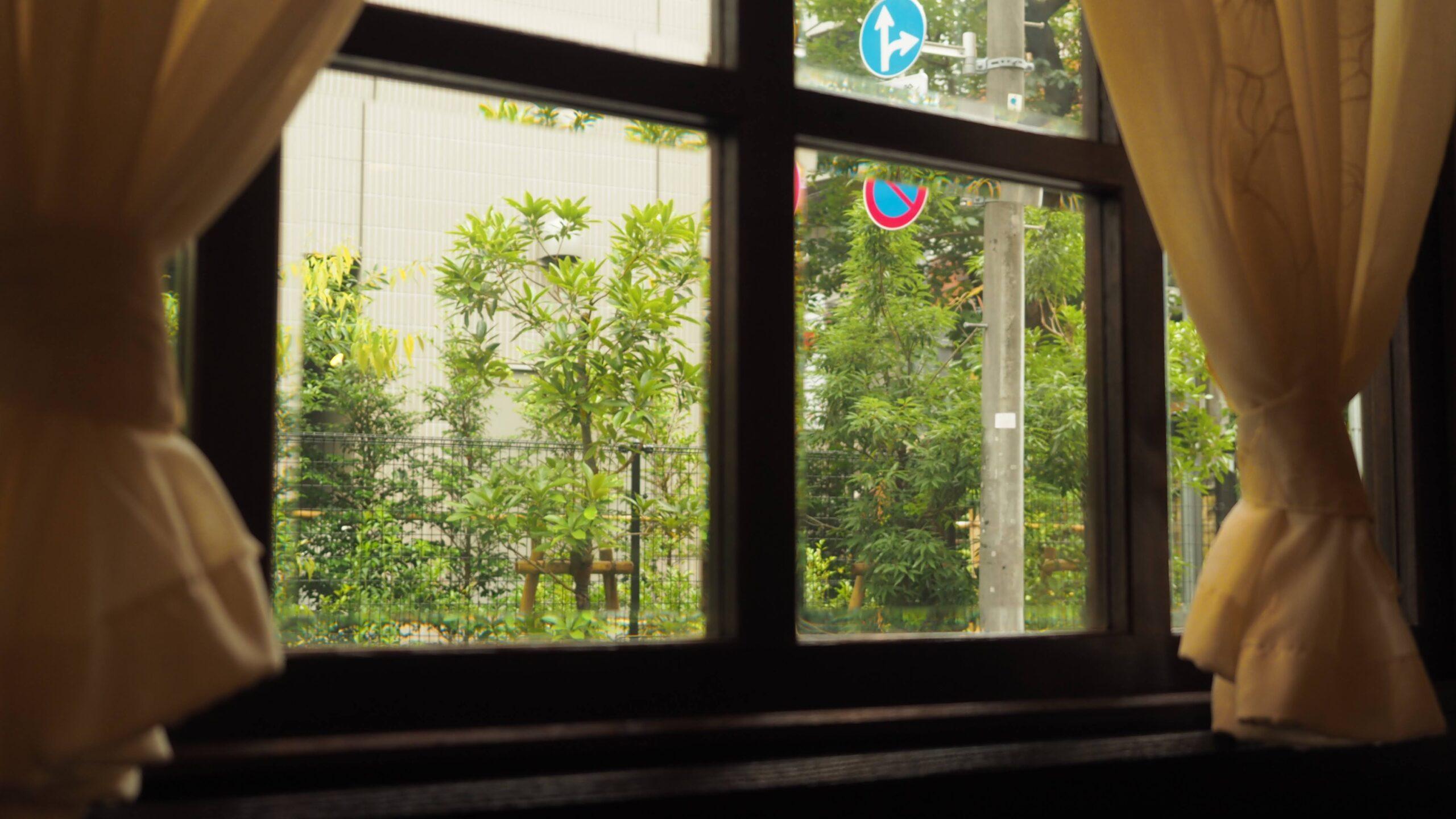 六本木 喫茶店 る・ぽーる るぽーる 老舗喫茶 純喫茶 喫茶店巡り 東京喫茶店 喫茶店インテリア coffeeshop レトロ建築 東京 六本木カフェ 六本木 おちつく落ち着くカフェ 静か 打ち合わせ コーヒー ウィンナーコーヒー