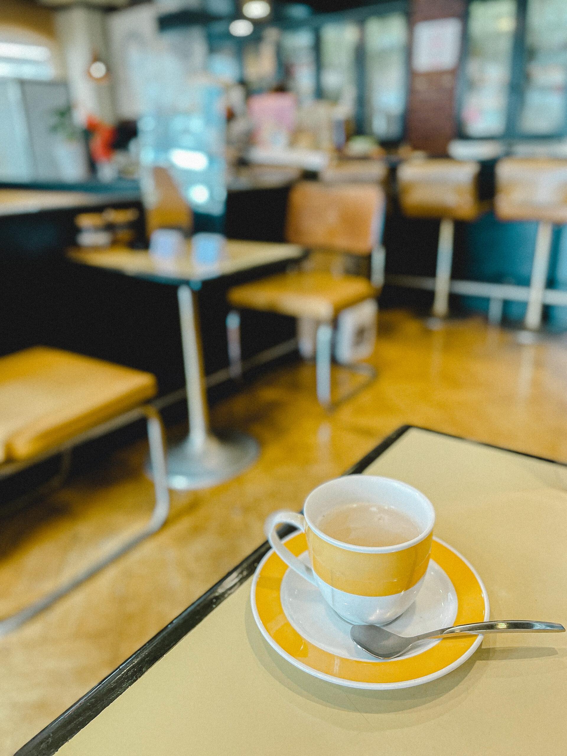 入谷 喫茶店 とみー 浅草 老舗喫茶 純喫茶 喫茶店巡り 東京喫茶店 喫茶店インテリア coffeeshop レトロ建築 東京 入谷カフェ おちつく落ち着くカフェ 静か 打ち合わせ コーヒー ランチ 下町散歩 カフェ巡り ノスタルジック